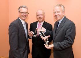 Hand over of the chain of office from Cllr. John Ryan, Cathaoirleach 2010-2011 to  Cllr. Tomás Breathnach, Cathaoirleach 2011-2012 with Mr. Stephen Blair, Director, S&E Regional Assembly