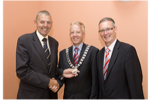 Hand over of the chain of office from Cllr. Kevin Murphy, Cathaoirleach 2009-2010 to Cllr. John Ryan, Cathaoirleach 2010-2011 with Mr. Stephen Blair, Director, S&E Regional Assembly