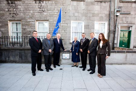 Pictured at the unveiling of the plaque acknowledging the support of the ERDF for the John's Square upgrade works are (L-R) is Mr. Vincent Murray, Snr Engineer, Limerick City Council; Cllr. Stephen Ke