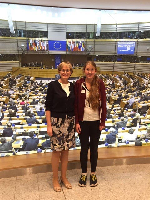 Miss Caitriona Brady Halmschlag, Colaiste Chiarain, Croom, Co Limerick with Ms. Mairead McGuinness, MEP. Caitriona is the Southern and Eastern Regional Programme winner 2016 of the Graduate Quiz. Imag