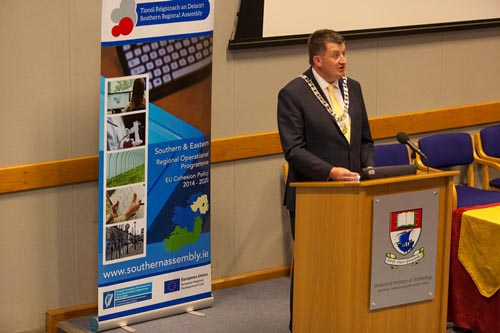 #EU in my Region Open Days Project Visit to ERDF co-funded PMBRC Centre Waterford Institute of Technology, Cllr Damien Geoghegan, Cathaoirleach welcoming those in attendance and presenting on the work