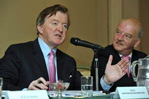 Minister of State John Perry T.D. speaking at the Annual Conference 2012 alongside Cllr Tomás Breathnach, Cathaoirleach, S&ERA;.