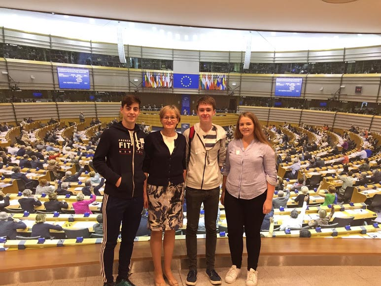 MEP Mairead McGuinness with Eoghan Gethings at the European Parliament.  Image Credit - Graduate.ie